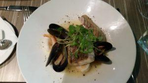 Barramundi, mussels & prawns